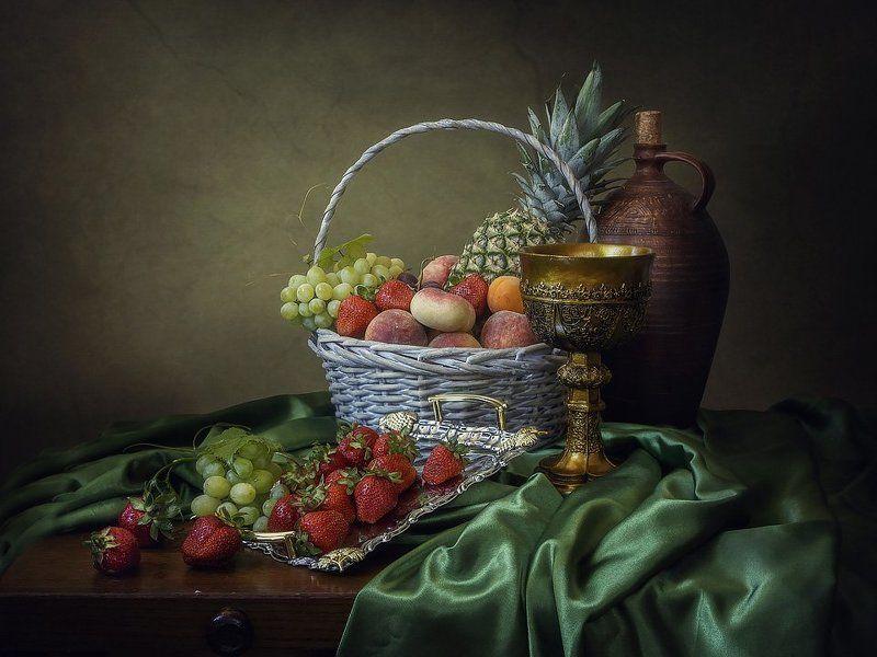 натюрморт, фрукты, ягоды, корзина, кувшин, кубок, поднос, лето, урожай Летнее изобилиеphoto preview