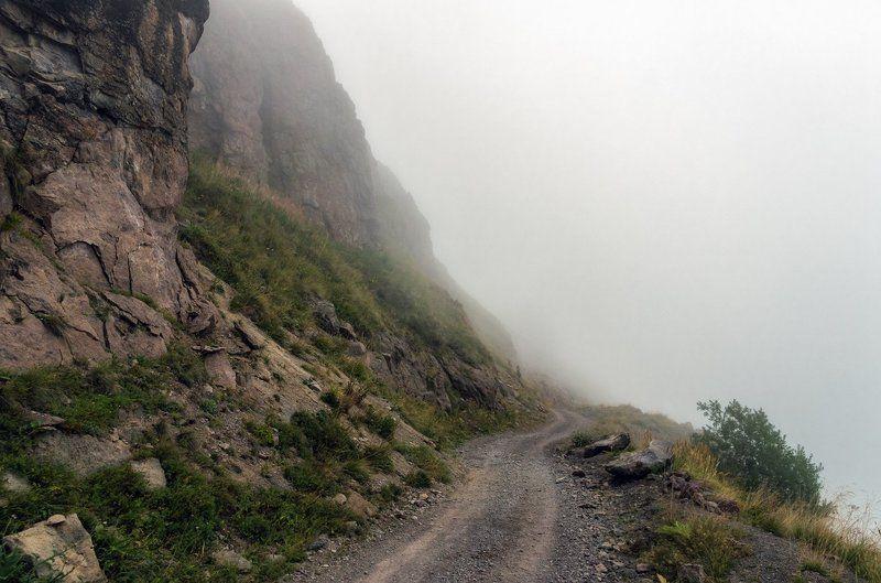 В туманах Приэльбрусьяphoto preview