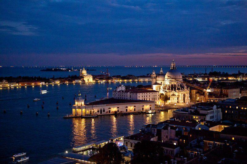 ITALY, VENICE, CITYSCAPE, NIGHTSCAPE VENICEphoto preview