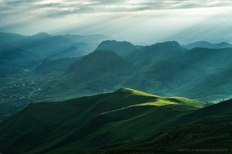 горы, предгорья, хребет, вершины, пики, восход, солнечный свет, скалы, холмы, долина, облака, путешествия, туризм, карачаево-черкесия, кабардино-балкария, северный кавказз , закат, свет, лучи СВЕТphoto preview