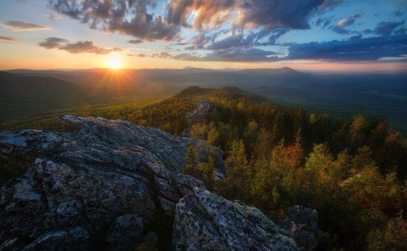 урал, горы, малиновая Солнечная Малиноваяphoto preview
