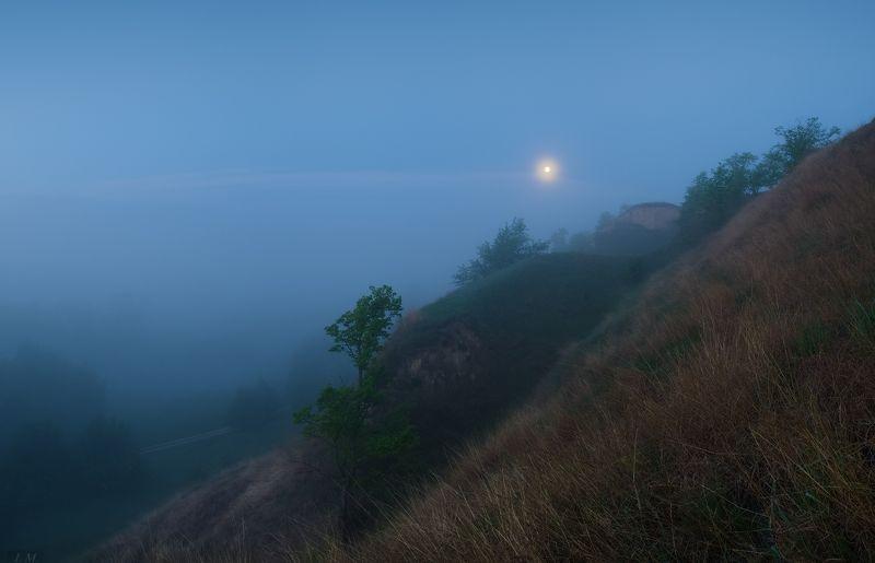 fog, mood, moon, morning, panorama, river, spring, весна, долина, луна, май, панорама, Псел, река, туман, Утро, холмы, Valley, may, blue hour, Psel, синий час, before sunrise Утренний романсphoto preview