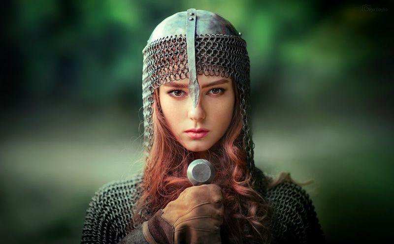 Девушка- воинphoto preview
