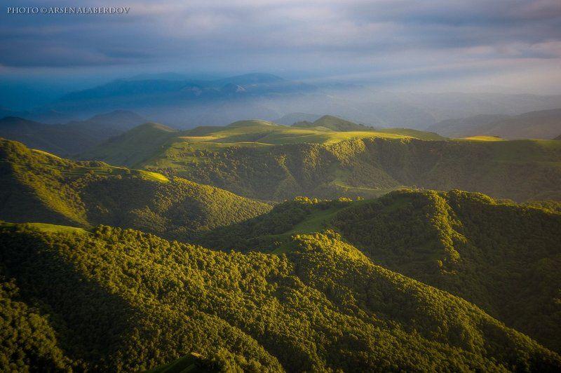 горы, предгорья, хребет, вершины, пики, восход, солнечный свет, скалы, холмы, долина, облака, путешествия, туризм, карачаево-черкесия, кабардино-балкария, северный кавказз , закат, свет, лучи ЗОЛОТО НА БАРХАТЕphoto preview
