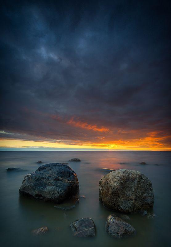 пейзаж море камни закат На закатеphoto preview