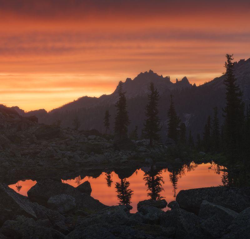пейзаж, закат, оранжевый, поход, ергаки, таежный, глаз, озеро, вечер, красивый, панорама, пихты, кедры, каменный, замок Приключения в Ергаках, ч.2photo preview