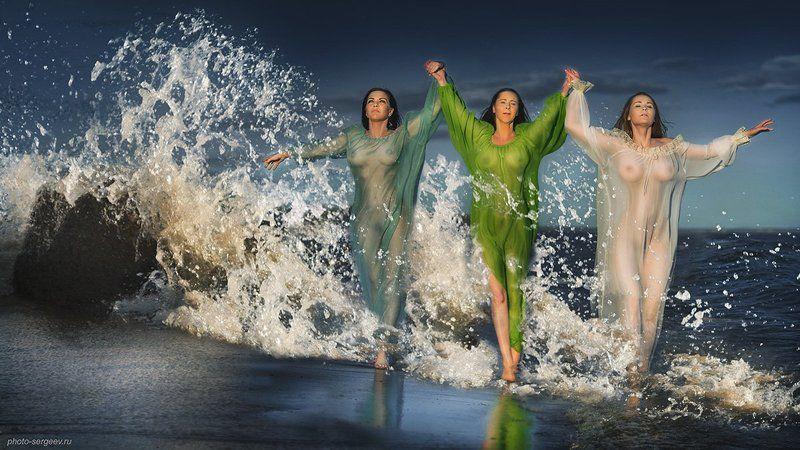 девушки,шторм,брызги,пленэр,море Балтийские сиреныphoto preview