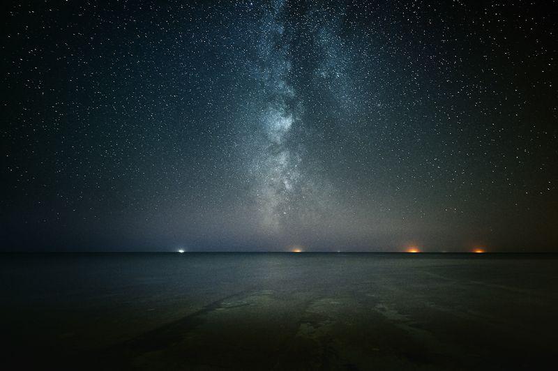 млечный путь море звезды ночь Далекие Огниphoto preview