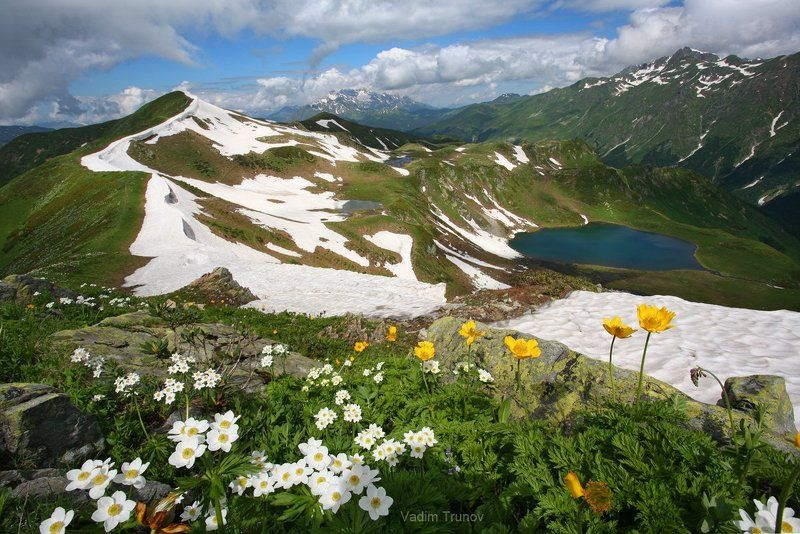 Про горы, снег, цветы и озероphoto preview