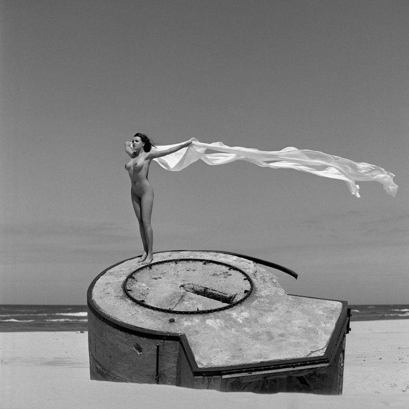 akt, nude, analog, hasselblad, ninoveron, women, topless, fineart, sun, Veseyphoto preview