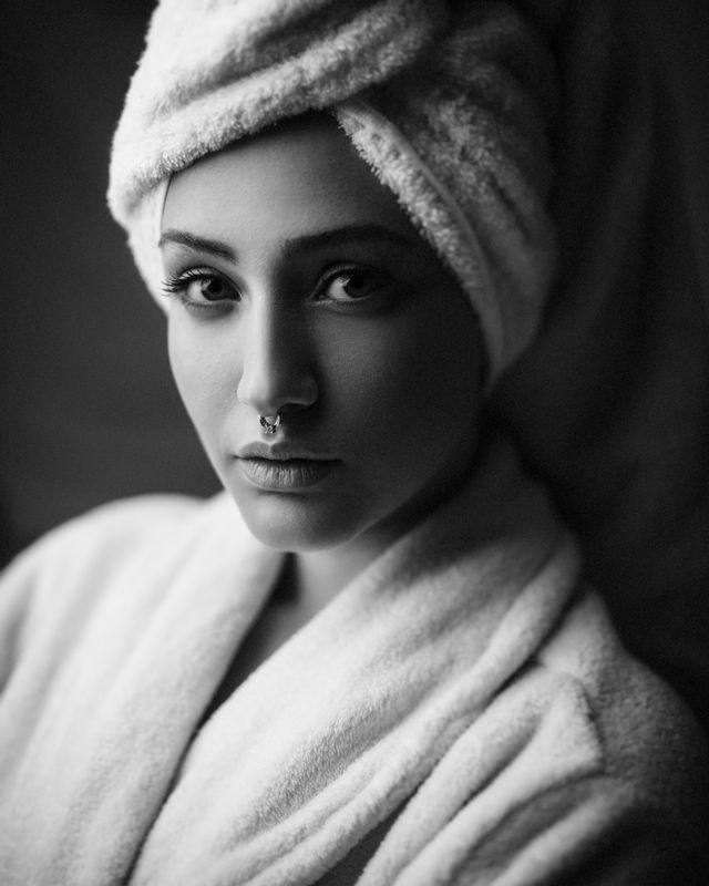 portrait,girl,light,photo,портрет, девушка,свет,фото,модель,волосы,кожа,medis Medisphoto preview
