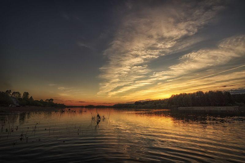 река, закат, солнце, отражение, облака, вечер Оставьте пустые сомненьяphoto preview