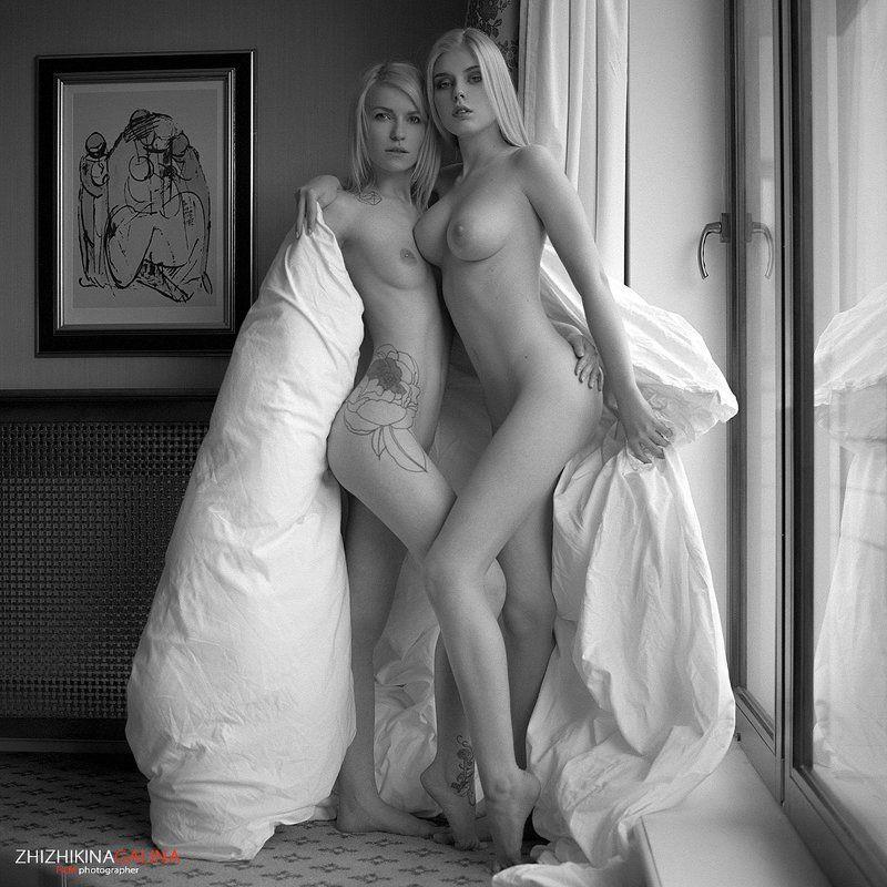 девушка, одеяло, модель, портрет, жанр, окно, глаза, взгляд, креатив, ню, топлесс, фотография, фотосессия, прикосновение, пленка, ч/б, 6х6, m-format, middle, film, b&w, soul, photo, photography, portrait, nature, black, art, nude, artnu, nu Твое теплоphoto preview
