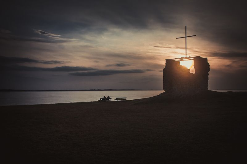вера церковь закат латвия природа вечер  под небомphoto preview