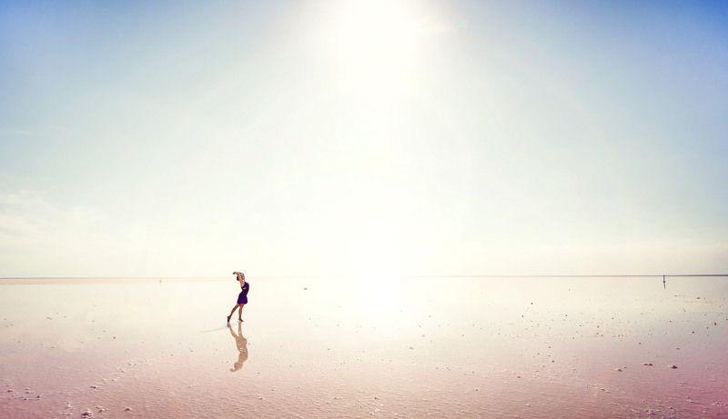 Эльтон,озеро,лето,девушка Путешествие по мирамphoto preview
