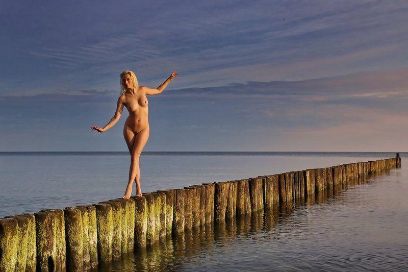 Meer, Sea, Strand, Beach, nude Balancephoto preview
