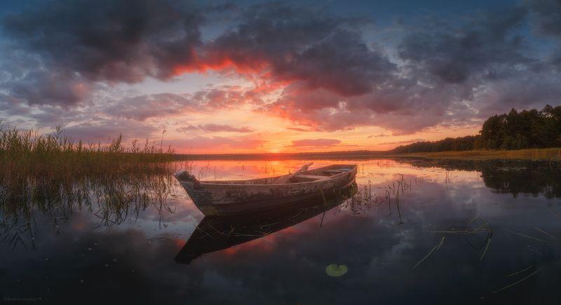 воймежное, лодка, озеро, закат Закат на Воймежномphoto preview