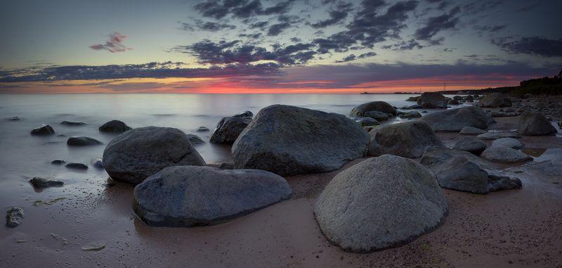 панорама латвия море камни закат В сумеркахphoto preview
