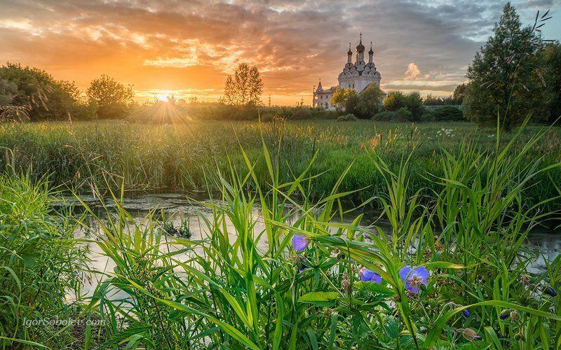 храм благовещения пресвятой богородицы, тайнинское, церковь, вечер, закат, подмосковье Тайнинское. Закатphoto preview