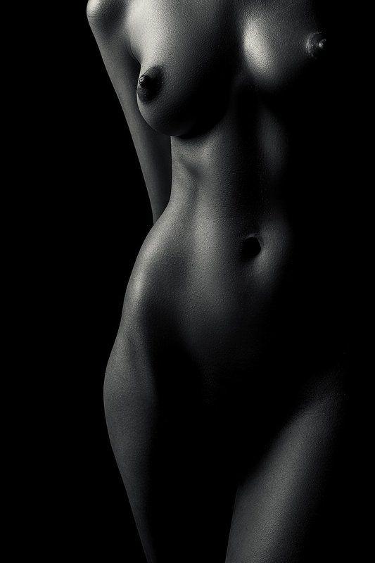 nude,woman,monochrome,body,sensuality,femininity,sexuality photo preview