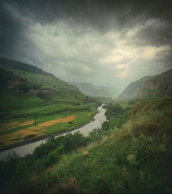пейзаж, природа, горы, Кавказ, Эльбрус, дождь, свет Путь к Эльбрусуphoto preview