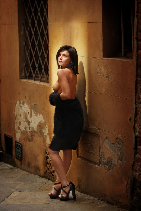 эротика,обнажённая,ню,модель,фотограф,павелтроицкий,девушка,nude Прогулки по Сиенеphoto preview