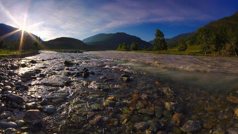 река, чибитка, чуя, алтай, вода. поток, свет, солнце, берег, горы Встречаphoto preview
