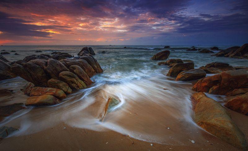 vietnam Wave at dawnphoto preview