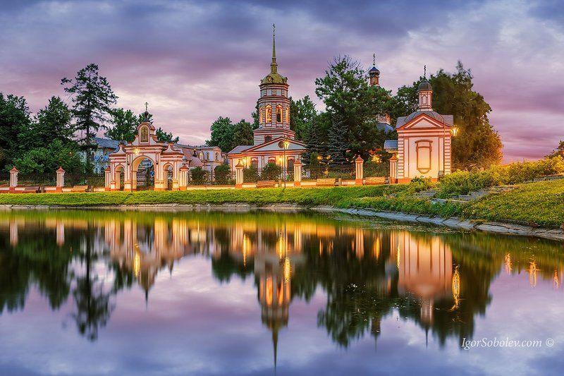 алтуфьево, крестовоздвиженский храм, москва, вечер Крестовоздвиженский храм в Алтуфьевоphoto preview