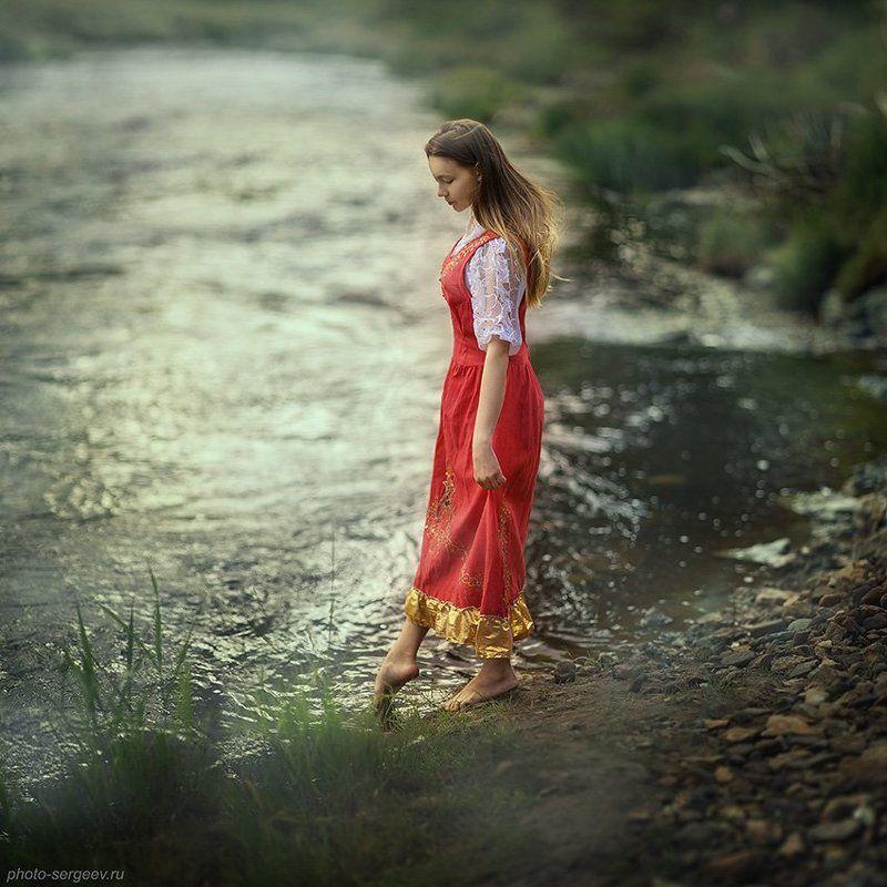 девушка, река,утро,туман,фольклор,стилизация,русское Алёнушкаphoto preview