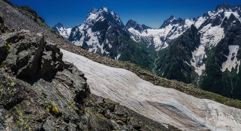 Крутые склоны Мусса-Ачитараphoto preview