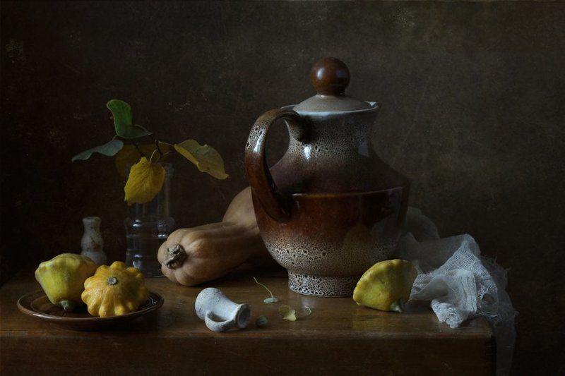 натюрморт, кувшин, овощи, кабачок, патиссоны, листья Скоро осеньphoto preview