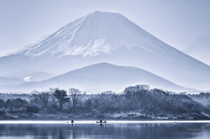 Fuji,mountain,tree,lake,boat,fishing,Japan,snow,landscape,fisherman,blue Fishermen asd the mountainphoto preview