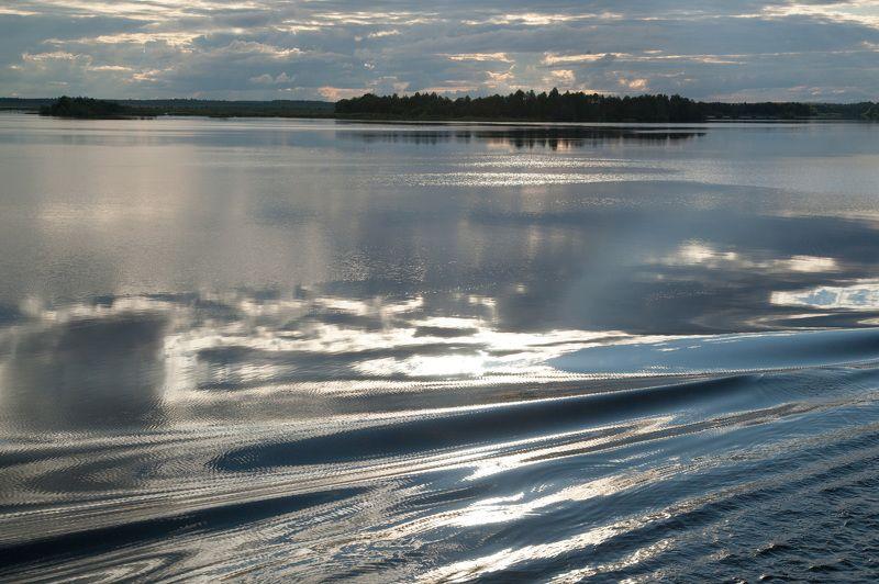 из серии: Небо и вода. Серебрянное сияниеphoto preview