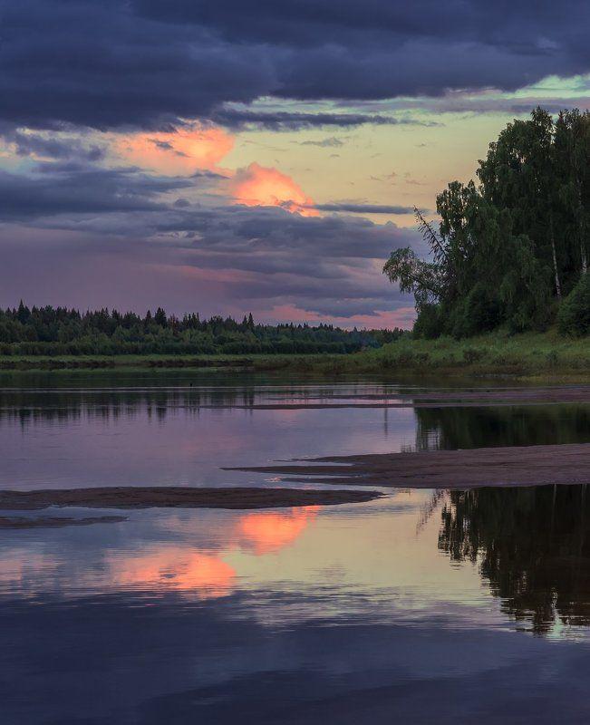 июль вечер река вага небо облака отражения лес берег песок Вечерняя симметрияphoto preview