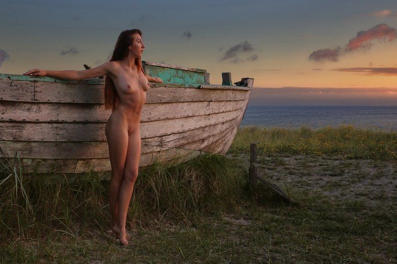 sea, beatch, nude, girl, artnude, art, nature, boat Am Bootphoto preview
