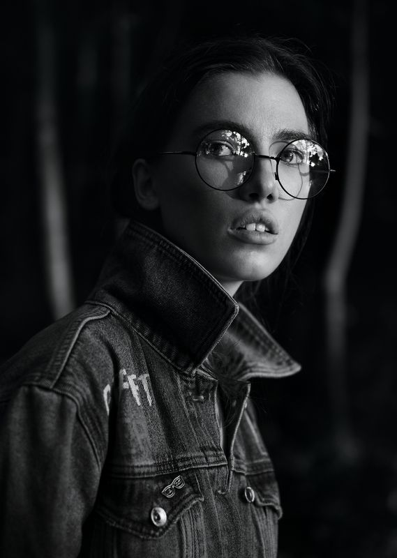 girl, b&w, black and white, glasses, forest, moscow, fujifilmru, portrait,  Angelina photo preview