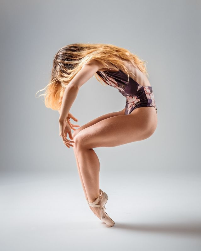 ballet, dancer, posing, studio, ballerina Dancerphoto preview