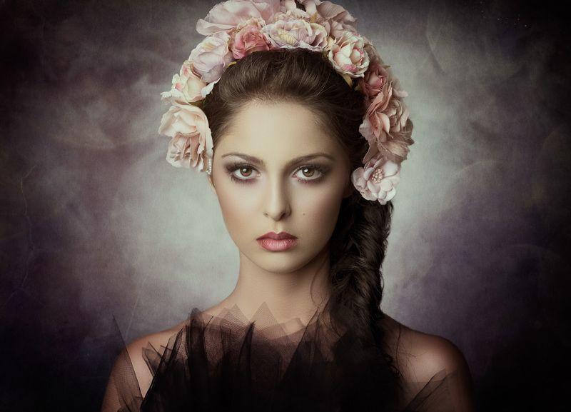 portrait, fine art portrait, flowers, woman, Sajiraphoto preview