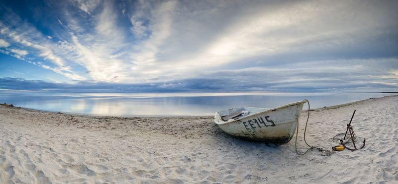 панорама пейзаж лодка море песок пляж латвия ***photo preview