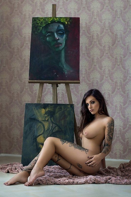 model, nude, naked, glamour, woman, female, colour, body, sexy, sensual, natural light, curves, portrait, erotica, fine art, tattoo, painting, V.photo preview