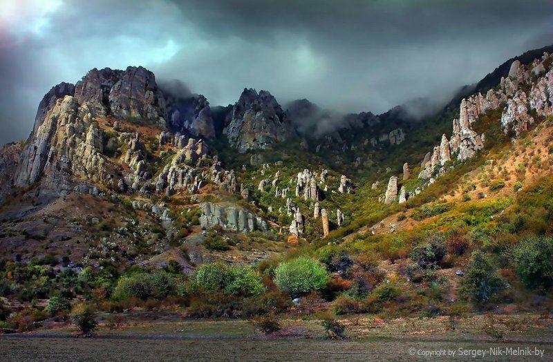 россия, крым, алушта, горы, демерджи, долина привидений Световой ЭффектS на Демерджиphoto preview