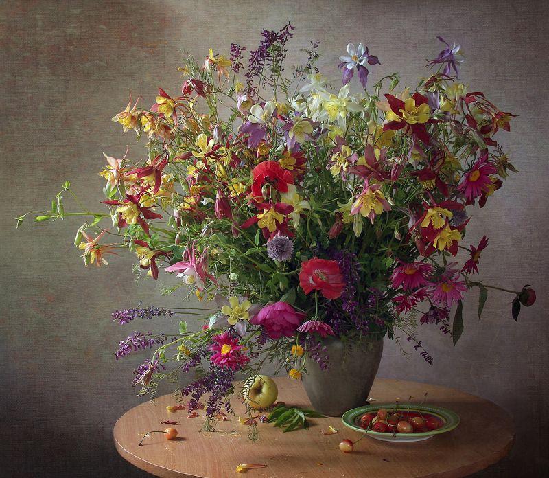 натюрморт, цветы, марина филатова Прекрасны аквилегии цветыphoto preview