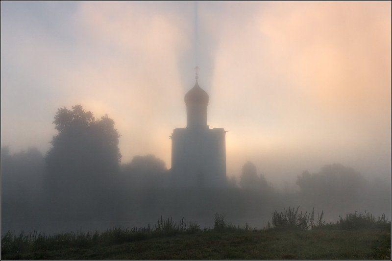 Россия, Владимирская обл, Боголюбово Когда взошло солнцеphoto preview