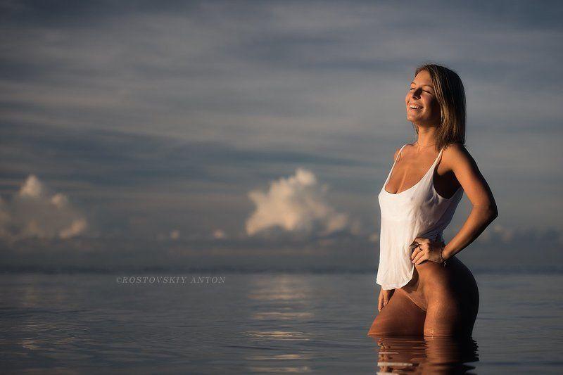 Сочи, море, девушка, утро весёлое утроphoto preview