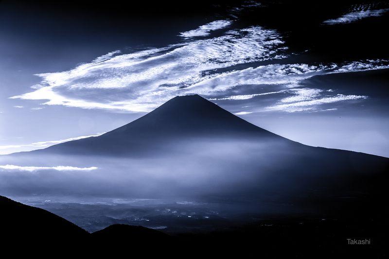 Fuji,Japan,mountain,cloud,sky,landscape,blue,white,amazing,wonderful,beautiful, Flying cloudphoto preview