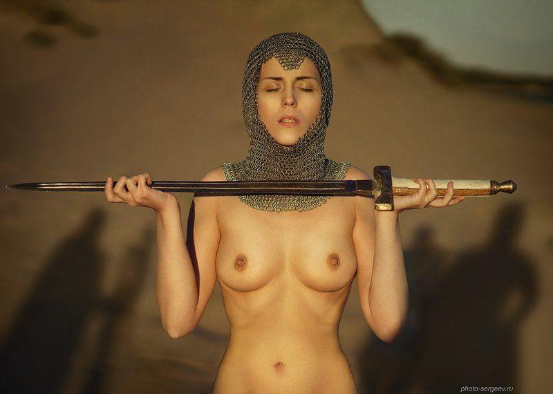 меч, девушка,обнажённая,легенда,оружие,стилизация Экскалибурphoto preview