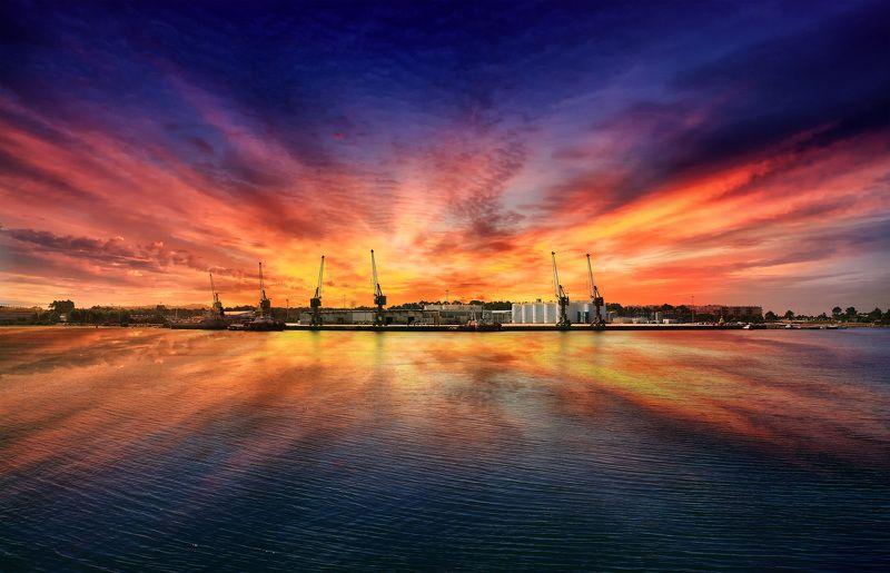 Viana do Castelo, Portugal, color, sunset, reflection, art, sky, skyline, center Viana do castelophoto preview