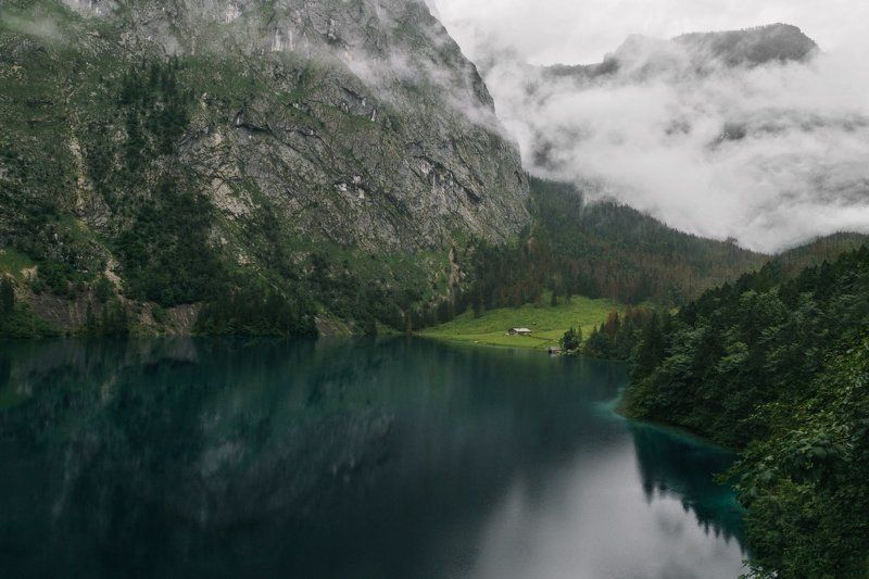 озеро; горы; туман; дождь; туризм Runawayphoto preview