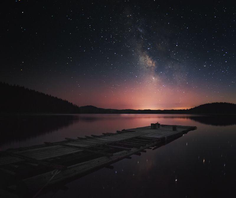 кей, широка поляна, язовир, звезди, млечен път Кея на язовир Широка полянаphoto preview